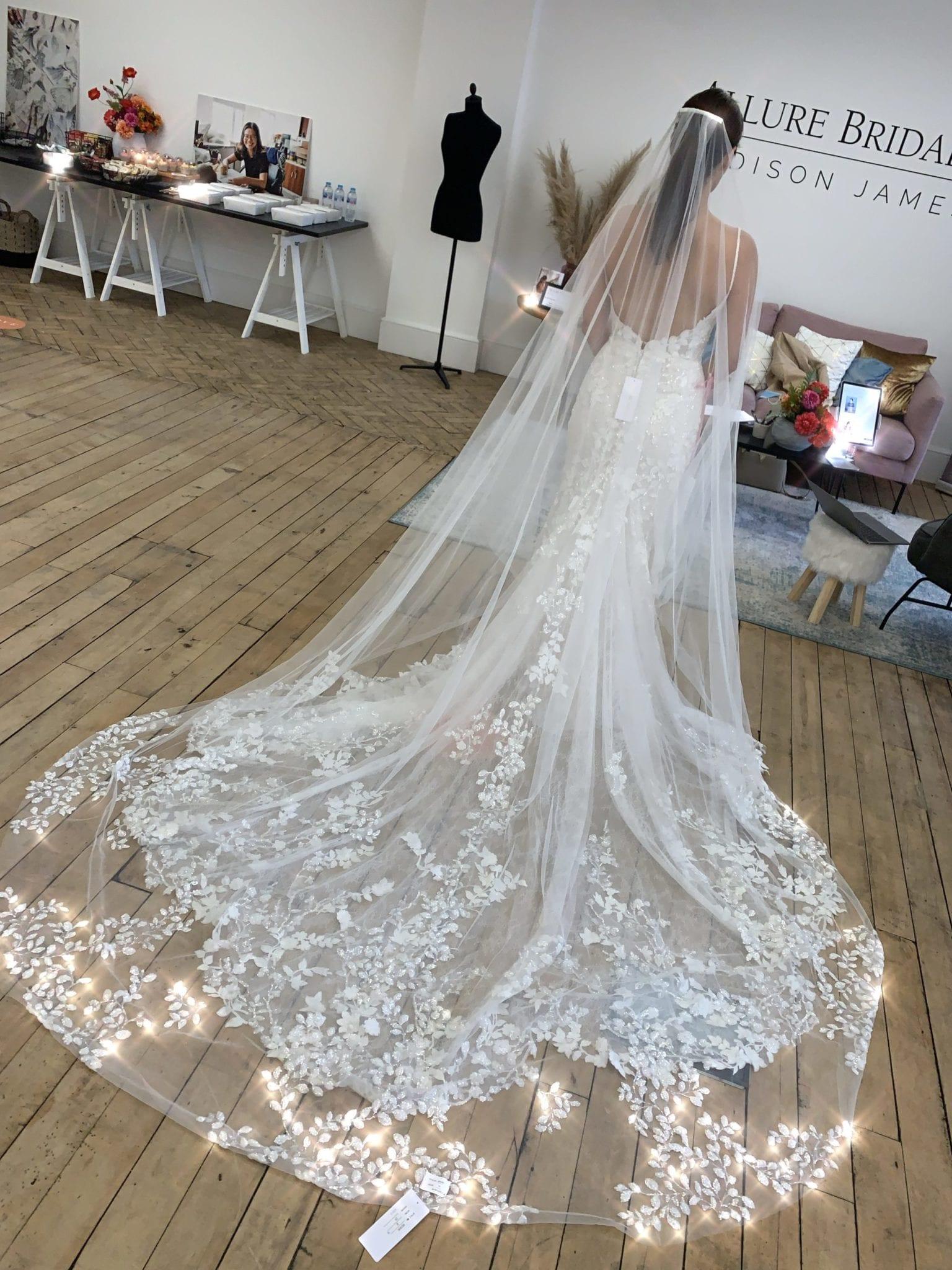 Matching veil to 9765
